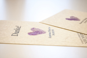 Hochzeitskarte auf Marmorpapier